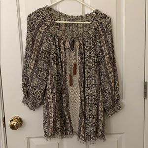 Cute, flowy blouse with 3/4 sleeves!